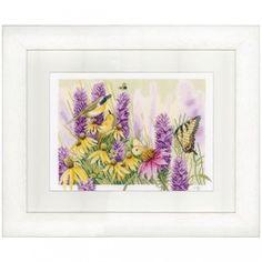 Borduurpakket van een paarse vlinderstruik met vlinders en vogeltjes, ontworpen door Marjolein Bastin.
