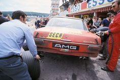 Red Pig pitting at the 1971 Spa 24 Hours race