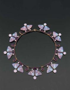 Art Deco and Art Nouveau! Bijoux Art Nouveau, Art Nouveau Jewelry, Jewelry Art, Vintage Jewelry, Jewelry Accessories, Fine Jewelry, Jewelry Design, Gothic Jewelry, Jewelry Bracelets