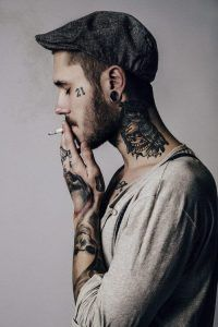 Clock Neck Tattoo - Best Neck Tattoos For Men: Cool Neck Tattoo Designs and Ideas - Badass Full, Front, Side, Back of Neck Tattoos For Guys Best Neck Tattoos, Face Tattoos, Boy Tattoos, Body Art Tattoos, Sleeve Tattoos, Tattoo Boy, Portrait Tattoos, Text Tattoo, Neck Tattoo For Guys