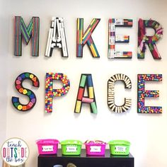 Are you interested in starting a classroom or school Makerspace OR maybe want to learn more about how Makerspaces work? You've come to the right place! Space Classroom, Classroom Setup, Classroom Design, Classroom Displays, Elementary School Library, Elementary Art, School Libraries, School Library Decor, School Library Displays