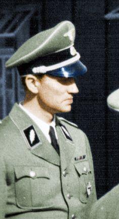 卐 SS-Brigadeführer Walter Schellenberg und Generalmajor der Polizei, Leiter der Sicherheitsdienst des (SD) und Abwehr im Reichssicherheitshauptamt (RSHA)