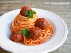 Bolognesa!!! Italian Cooking, Italian Recipes, Pasta, Albondigas, Spaghetti And Meatballs, Learn To Cook, Ravioli, Food Porn, Good Food