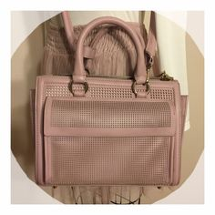 Zara Blush Pink Satchel Zara Blush Pink Satchel - very cute satchel that comes with Crossbody strap. Has front pocket with magnetic enclosure as well as smaller side pockets inside main compartment. Great for work or weekend! Zara Bags Satchels