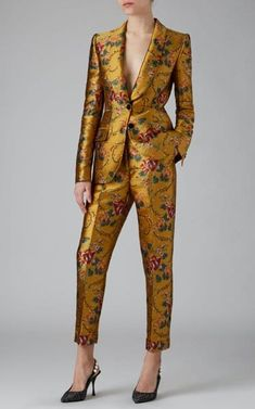 Floral-Print Satin-Jacquard Tapered Pants by Dolce & Gabbana Mode Outfits, Fashion Outfits, Wedding Pantsuit, Tweed Wedding Suits, Mode Costume, Pantsuits For Women, Mode Chic, Runway Fashion, Womens Fashion