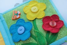 Handmade by mom: Button Flowers (with even something hiding on the leaf!)