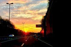 Bissl Kitsch am Abend.  #sunset #road #evening #sonnenuntergang #strasse #blogger #photographer #fotograf #picoftheday #Augsburg #München #Munich #Bayern #Bavaria #Göggingen
