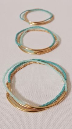 Simple and quick to make :: Beachy summer bracelets in 2 shades of mint beads, g. - Simple and quick to make :: Beachy summer bracelets in 2 shades of mint beads, gold beads, gold tub - Bracelet Turquoise, Gold Armband, Seed Bead Bracelets, Gold Bracelets, Handmade Bracelets, Ankle Bracelets, Handmade Beads, Pandora Bracelets, Pandora Jewelry