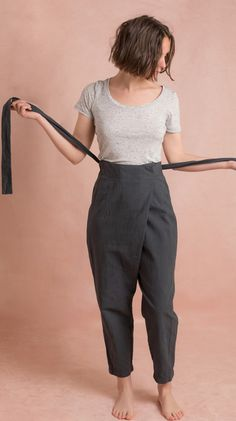 Papao Wrap Pants sewing pattern from Ready to Sew - The Pattern Pages Sewing Magazine Dress Sewing Patterns, Clothing Patterns, Modern Sewing Patterns, Fashion Patterns, Vogue Patterns, Vintage Patterns, Vintage Sewing, Harem Pants Pattern, Harem Trousers