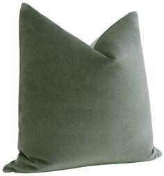 Green Velvet Pillow, Velvet Pillows, White Pillows, Bed Pillows, Green Throw Pillows, Living Room Ornaments, Interior Room Decoration, Minimalist Bed, Green Cushions