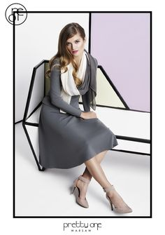 #lookbook #prettyonewarsaw Spring Summer 2015 rozkloszowana szara spódnica, dzianinowy swetr, długi ozdobny szaro- biały szal. Spring Summer 2015, Vogue, Dresses For Work, Fashion, Tunic, Moda, Fashion Styles, Fashion Illustrations, En Vogue