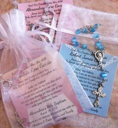 Baptism Favors Rosaries, Mini Rosaries Favors, Remembrance Cards Like this. Baptism Favors, Baptism Invitations, Baptism Ideas, Baptism Decorations, Girl Baptism Centerpieces, Christening Party, Baby Girl Baptism, Baby Dedication, First Holy Communion