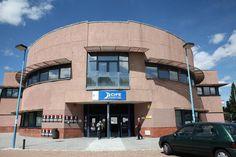 El Ayuntamiento ha suscrito convenios con 50 empresas para que los desempleados realicen prácticas formativas