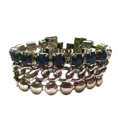 Pulsera Cristales Azules Tendencia de moda primavera 2013. La tendencia tanto para el día como para la noche son especialmente pulseras con cristales o brillantes. http://alltrendy.es