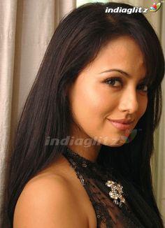 Sana Khan, Tamil Actress Photos, Telugu Cinema, Telugu Movies, Girl Pictures, Bollywood, Actresses, Actors, Beautiful