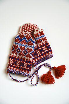 Saami mittens by stashmuffin