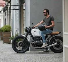 500 Likes, 4 Comments - CafeRacers Culture (cafer tayer.- 500 Likes, 4 Comments – CafeRacers Culture (cafer tayer… – - Style Cafe Racer, Bmw Cafe Racer, Cafe Racer Build, Cafe Racer Motorcycle, Custom Bmw, Custom Cafe Racer, Bmw Classic, Classic Bikes, Bmw R 80