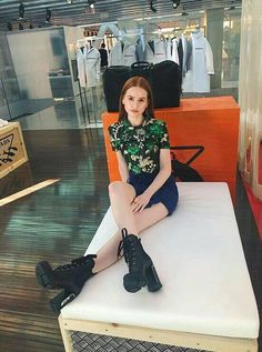 Madelaine Petsch discovered by King Chloe on We Heart It Cheryl Blossom Riverdale, Riverdale Cheryl, Riverdale Cw, Camila Mendes Riverdale, Cheryl Blossom Aesthetic, Cami Mendes, Red Hair Woman, Casual Outfits, Cute Outfits