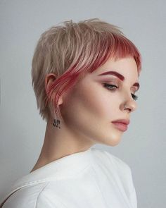 Very Short Haircuts, Short Hairstyles For Women, Hairstyles Haircuts, Pretty Hairstyles, Funky Short Hair, Super Short Hair, Short Hair Cuts, Pixie Cuts, Growing Out Short Hair Styles