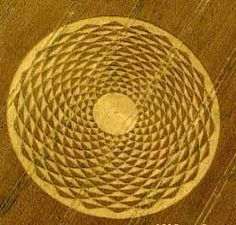 crop CIRCLES woodborough, by Mirahorian Dan (http://www.flickr.com/people/mirahorian)