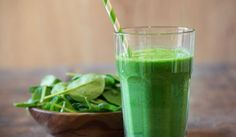 Healthy smoothies are a valuable addition to any diet. Packed with nutrients and offering many health benefits, many people have turned to a smoothie to help them out with their weight loss regimen… Smoothies Detox, Smoothies For Kids, Healthy Smoothies, Superfood Smoothies, Green Superfood, Matcha Smoothie, Super Green Smoothie, Green Smoothie Recipes, Strawberry Smoothie