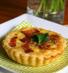 Jane's Sweets & Baking Journal: Vidalia Onion Tarts with Smoked Bacon . Relying on the Kindness of Onions Tart Recipes, Wine Recipes, Quiches, Onion Tart, Smoked Bacon, Smoked Turkey, Turkey Bacon, Vidalia Onions, Savory Tart
