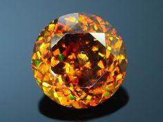 Minerals And Gemstones, Crystals Minerals, Rocks And Minerals, Gem Stones, Stones And Crystals, Mineral Stone, Diamonds And Gold, Rocks And Gems, Garnet