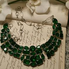 Emerald green statement necklace Gorgeous emerald green statement necklace. Adjustable closure. EUC Boutique  Jewelry Necklaces
