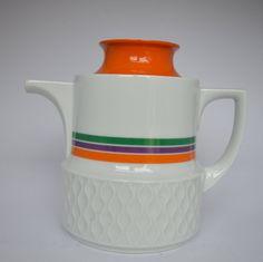 Coffee-/Teapot Schirnding Bavaria Orange Purple Green colored Modernist Mid Century Teapot van Nelle. 1960s