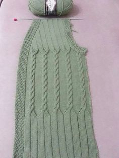 This post was discovered by Niloya Bahar Sahra. Discover (and save!) your own Posts on Qoster. Ladies Cardigan Knitting Patterns, Crochet Vest Pattern, Baby Knitting Patterns, Knitting Designs, Crochet Patterns, Cable Knitting, Free Knitting, Crochet Baby, Knit Crochet