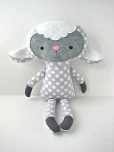 http://sewmesomethingcute.com * Dolls And Daydreams - Doll And Softie PDF Sewing Patterns: Handmade Easter: Lovely Lambs & Black Sheep Made By You!
