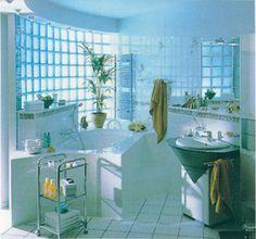 Bloco de Vidro para Banheiro - O bloco ou tijolo de vidro pode ser uma ótima opção para a decoração tanto pro interior quanto para o exterior. Mais informação pelo 214 266 310 ou  odem.geral@odem.pt