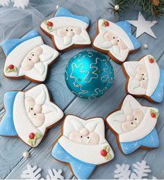 christmas cookies, christmas cookies recipes, christmas cookies easy, christmas cookies decorated, christmas cookies best #christmascookies #christmascookierecipes #desserts #sweettooth #sweets #dolce #cioccolato #occhi #torta #süß #tier #schön #hund #doux #festa Santa Cookies, Iced Cookies, Cute Cookies, Royal Icing Cookies, Cupcake Cookies, Cookies Et Biscuits, Cupcakes, Christmas Biscuits, Christmas Sugar Cookies