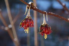 """Купить Серьги"""" Цветы под снегом"""" - ярко-красный, цветы, прозрачные серьги, прозрачные украшения"""
