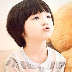   Leo William Recipon is the most popular Korean-French boy