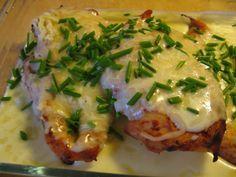 Broikkua Kerma-Juustokastikkeella Food And Drink, Meat, Chicken, Dinner, Dining, Food Dinners, Cubs, Dinners