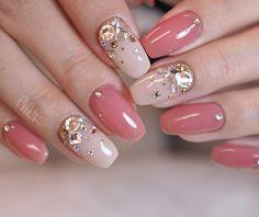 Short acrylic nails can shine equally as bright as long acrylic nails, we list 110 short acrylic nail art design ideas: short stilleto nails, short squoval nails, short matte nails and etc.