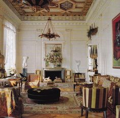 Magnificent living room by Peter Marino for the late Mona Ackerman in her 5th Ave apartment. #interiordesign #architecture