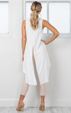 Devils Advocate Top In White Top classy Fall Fashion Outfits, Fashion Pants, Look Fashion, Hijab Fashion, Edgy Dress, Casual Dresses, Casual Outfits, Hijab Stile, Moda Casual