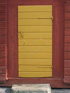 Kartanon aitan ovi