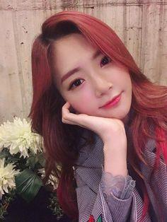 Kpop Girl Groups, Kpop Girls, Pink Hair, Red Hair, Korean Hair Color, Kim Min Ji, Jiu Dreamcatcher, Pin Pics, Love You Baby