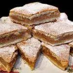 Reteta Prajitura cu mere , gata in cateva minute ! Romanian Food, Romanian Recipes, Healthy Desserts, Apple Pie, Sweet Recipes, Food And Drink, Cooking Recipes, Yummy Food, Sweets