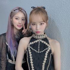 Japanese Girl Group, Kpop Girls, Yuri, Asian Girl, Fairy, Female, Couples, Dresses, Style