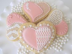 Lace Hearts       www.facebook.com/CloughD9CookiesSweets