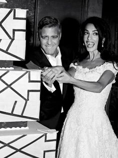 George Clooney & Amal Alamuddin's wedding LOVE the dress! and George