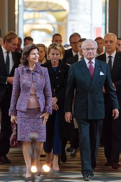 King Carl XVI Gustaf and Queen Silvia of Sweden visit the St Nicholas Church on October 8 2016 in Leipzig Germany The Swedish royals are on the last...
