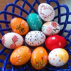 Easter's eggs colorful, handmade eggs