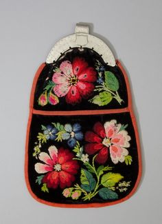 Scandinavian Embroidery, Swedish Embroidery, Wool Embroidery, Swedish Style, Swedish Design, Folk Clothing, Cloth Flowers, Textiles, Gold Work