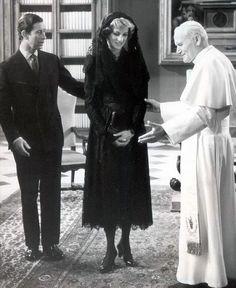 April 29, 1985: Prince Charles & Princess Diana meet Pope John Paul II at the Vatican in Rome. Day 11