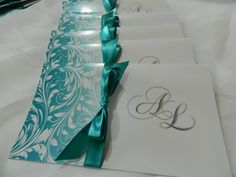 Invitación de boda detalle turquesa Voss Bottle, Water Bottle, Wedding Cards, Bridal Shower, Invitations, Creative, Creativity, Invitation Cards, Turquoise
